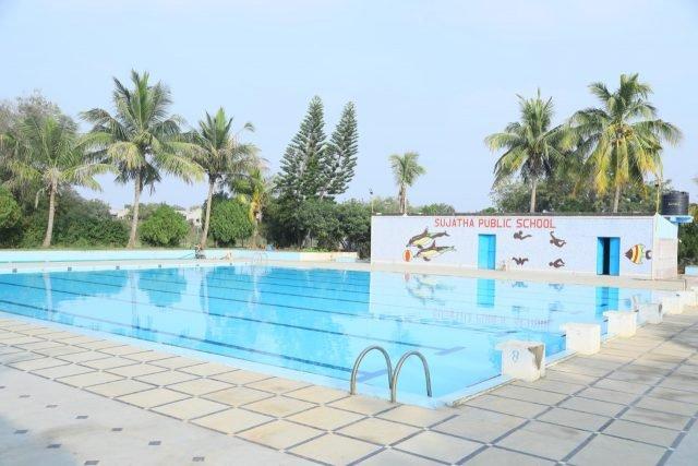 https://sujathaschool.com/wp-content/uploads/2020/01/06-Swimming-Pool-640x427.jpeg